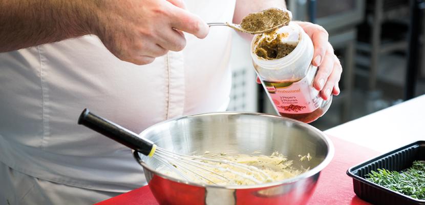 Knorr Professional Purée de 3 poivres 750g - Un mélange parfait de 3 poivres