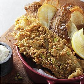 البطاطس والسمك المقلي بالدقة