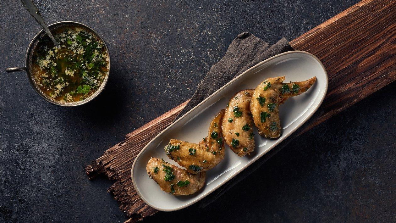 أجنحة الدجاج بالليمون والثوم الكزبرة – وصفة