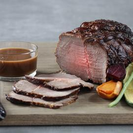 اللحم البقري المحمّر الكلاسيكي مع الصلصة