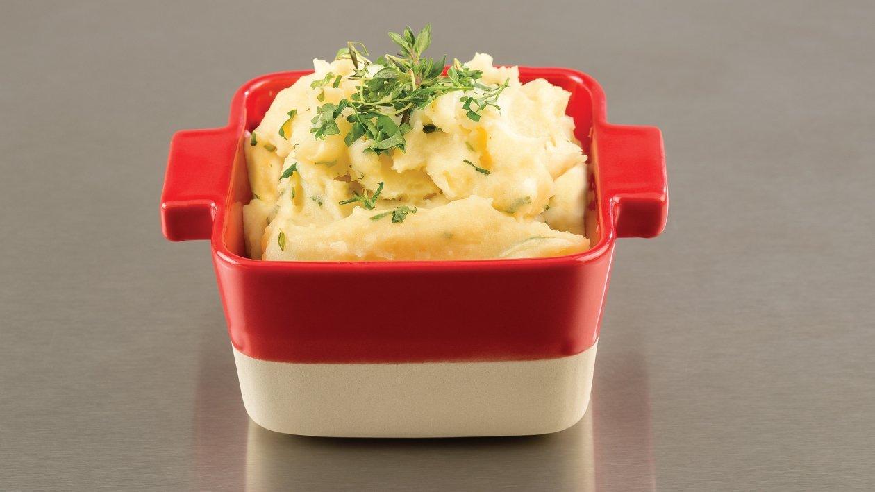 بطاطس مهروسة بالأعشاب الطازجة والجبنة – وصفة