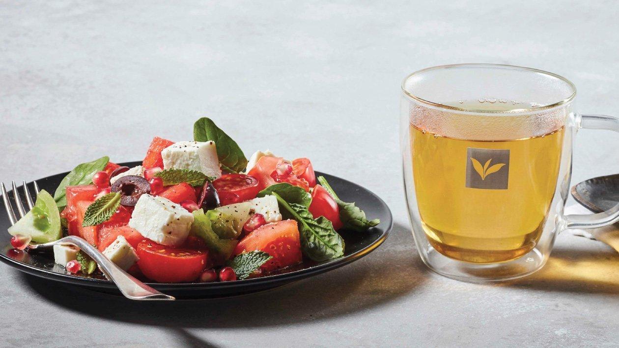سلطة البطيخ، الطماطم والفيتا – وصفة