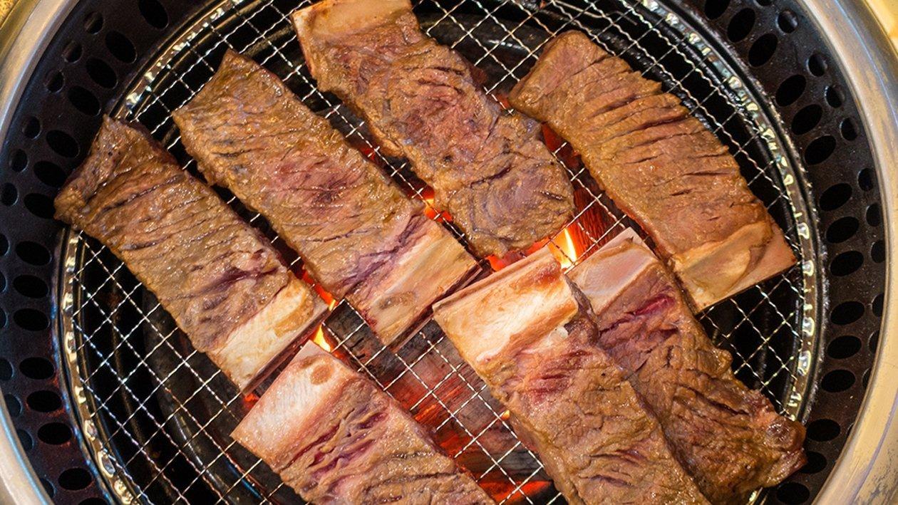 ضلوع لحم بقري على الطريقة الكورية (غالبي غوي) – وصفة