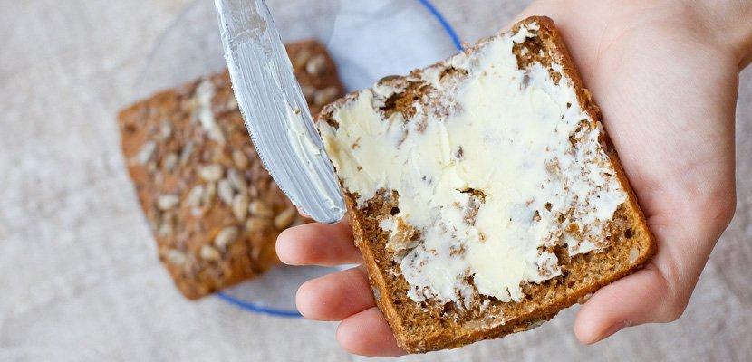 Flora Mini 10 g - O 50% méně kcal než máslo.