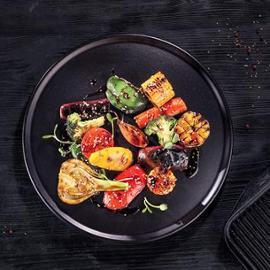 Grilovaná zelenina ve sladké glazuře se sezamem