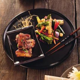 Pikantní vepřova žebra s Wok pečenou zeleninou