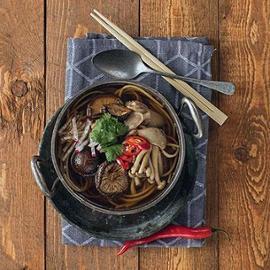 Veganská houbová Ramen polévka