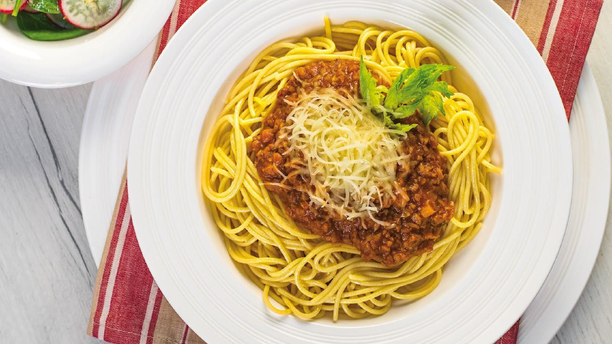 Celozrnné těstoviny s bezmasým boloňským ragú