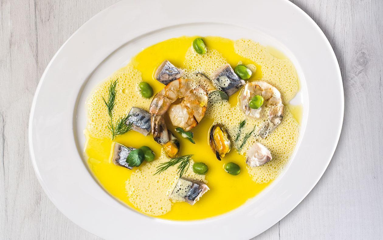 Ceviche z makrely s mořskými plody a šafránem