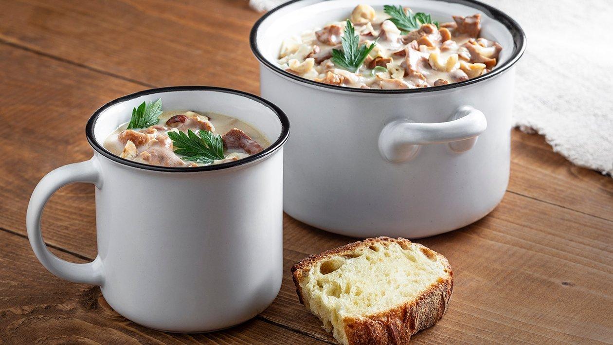 Lišková polévka s ořechy a madeirou