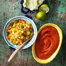 Guacamole, mango salsa og salsa casera