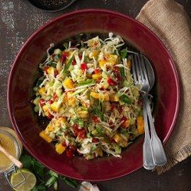 Sydamerikansk salat med quinoa, græskar og grønkål.