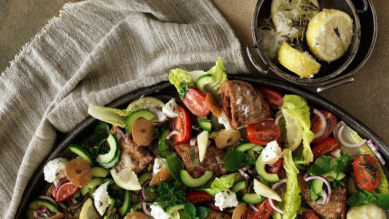 """Fattoush"" Sprød salat med dybstegt pita og syltet citron"