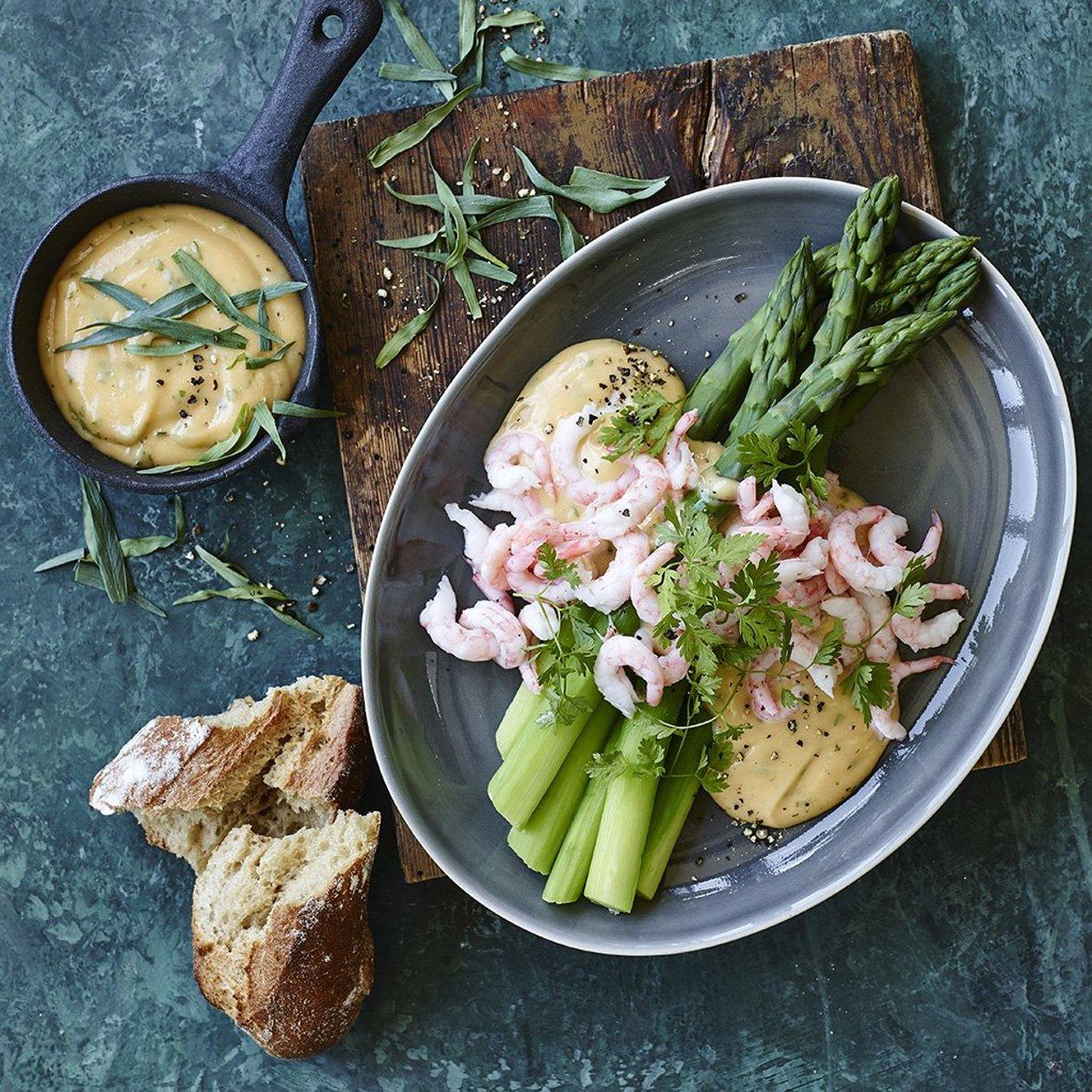 Hummer Bearnaise med grønne asparges og rejer