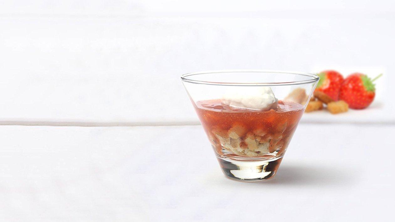 Jordbærcreme med rasp og fløde