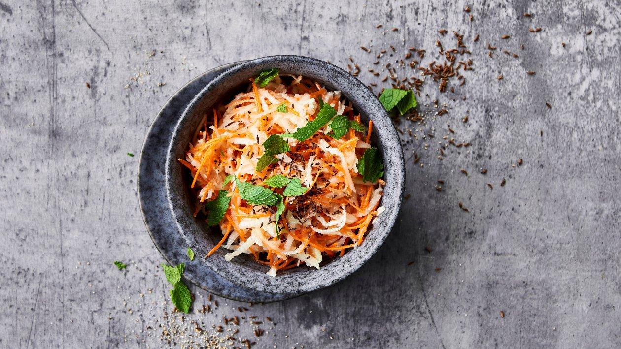 Kålrabi og gulerødder med spidskommen