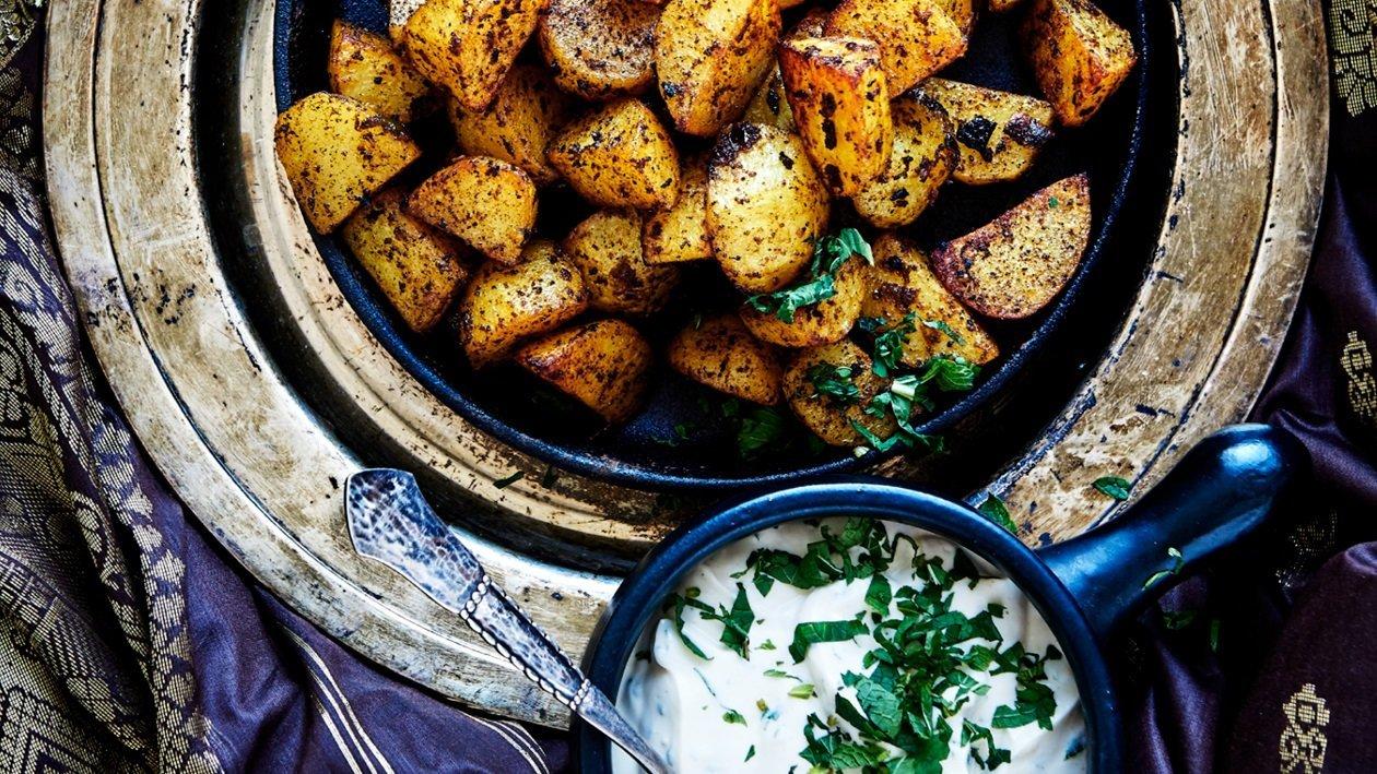 Ovnstegte Kartofler Jalfrezi med myntedressing