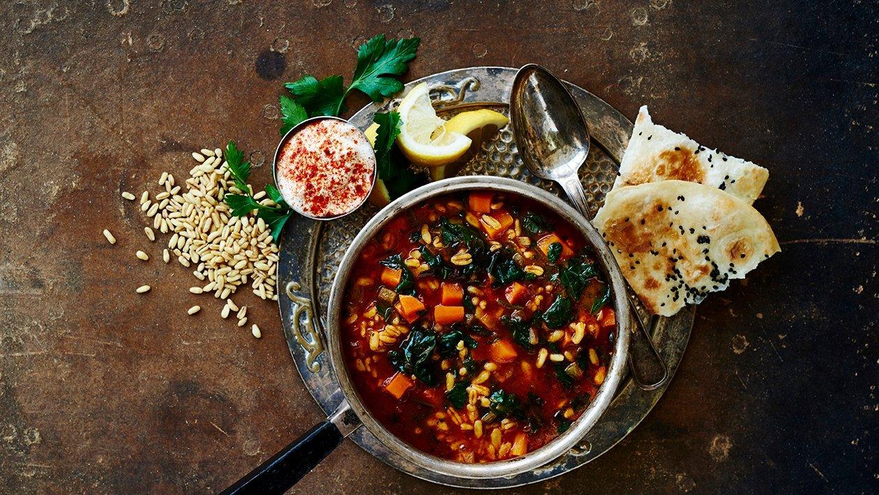 Suppe med spinat og en duft af mellemøsten