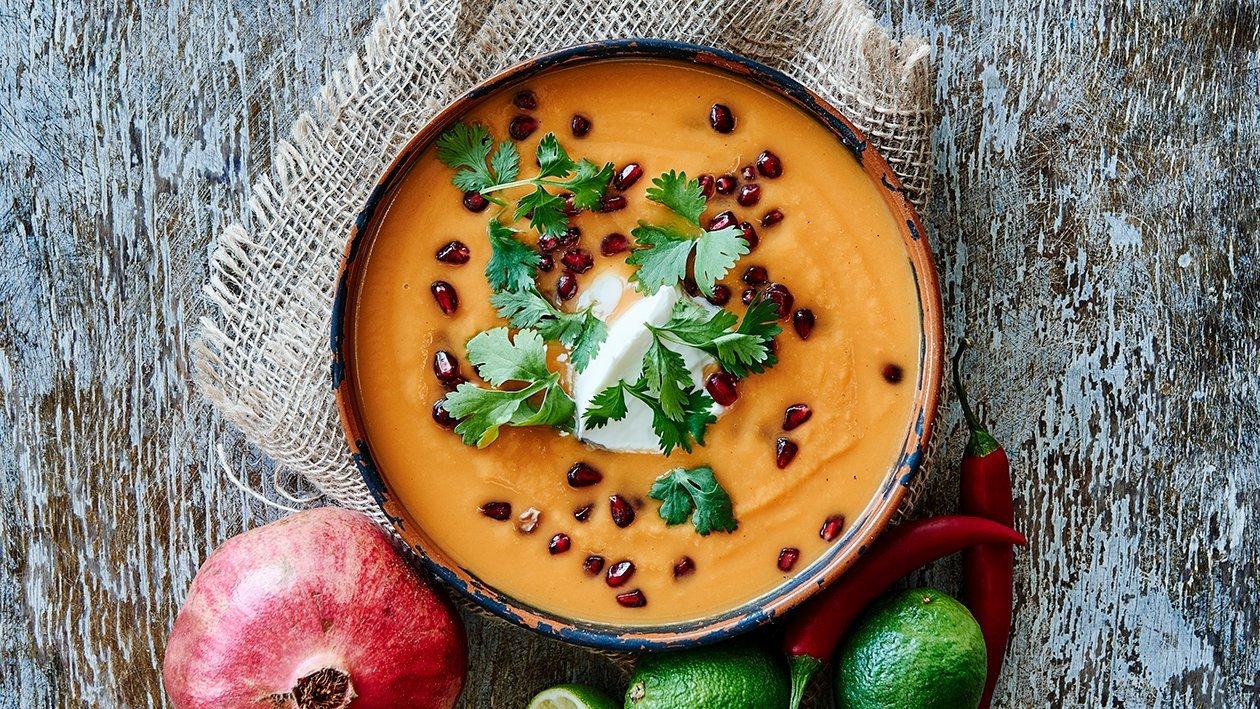 Sydamerikansk suppe med søde kartofler og lime