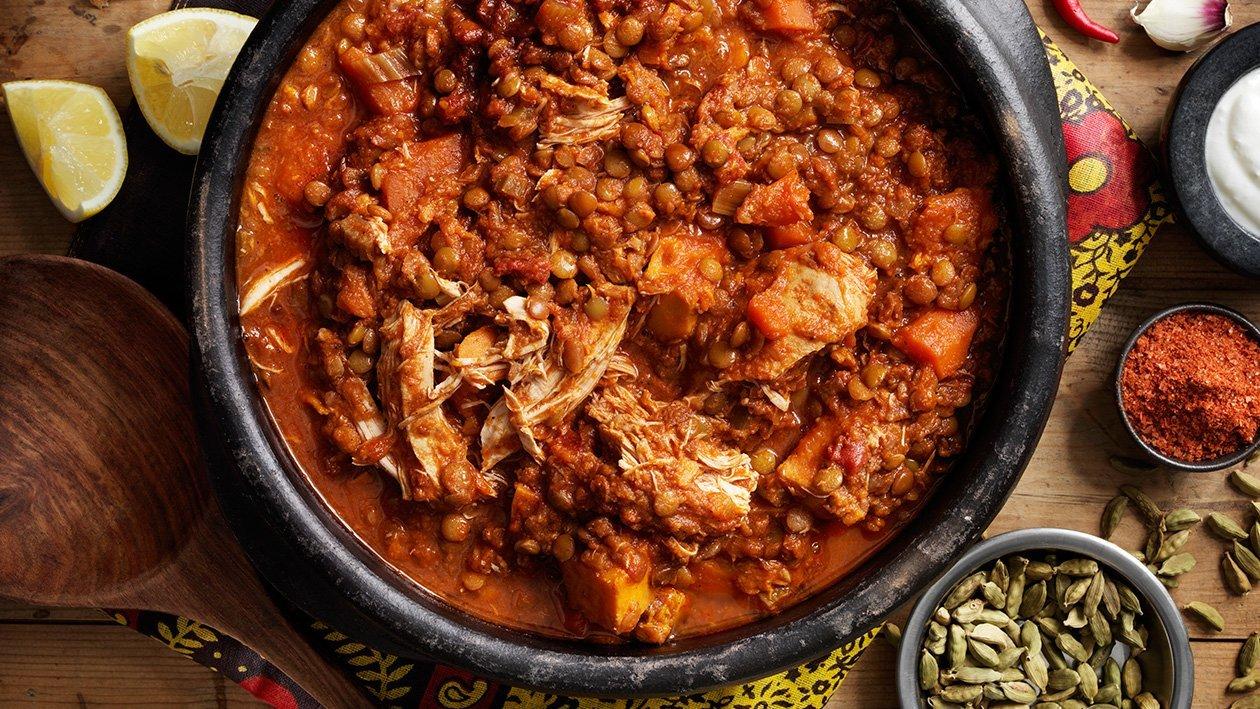 Varm Etiopisk one pot gryde med kylling og linser