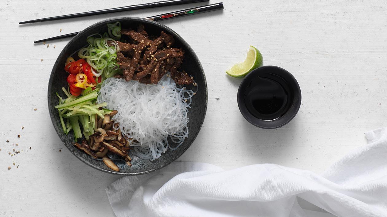 Asiatischer Glasnudelsalat mit Rindfleisch