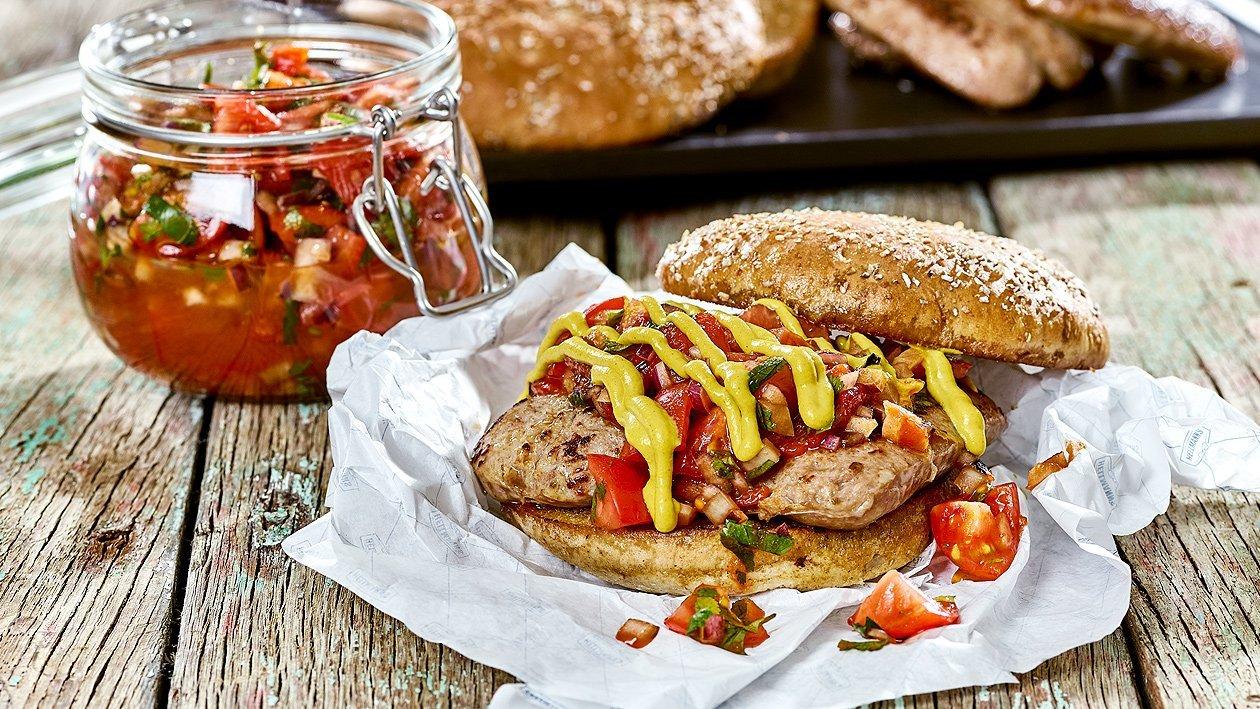 Choripán Burger mit Tomatensalsa