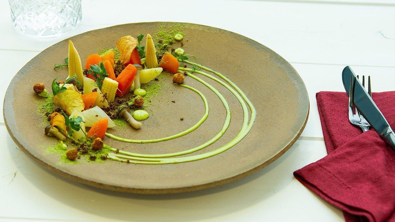 Lauwarmes,, eingelegtes Gemüse mit Petersilien - Hollandaise und Petersilienpüree
