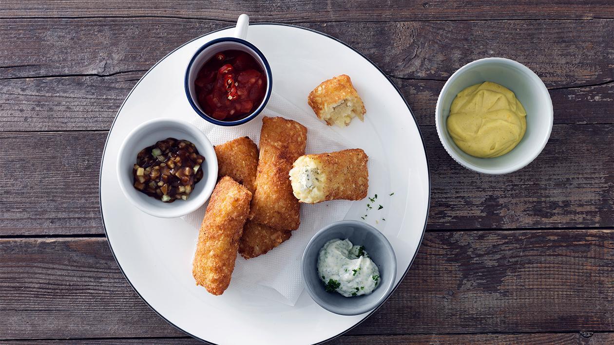 Rösti-Schmankerl mit Frischkäse-Kräuterfüllung und Dip Saucen