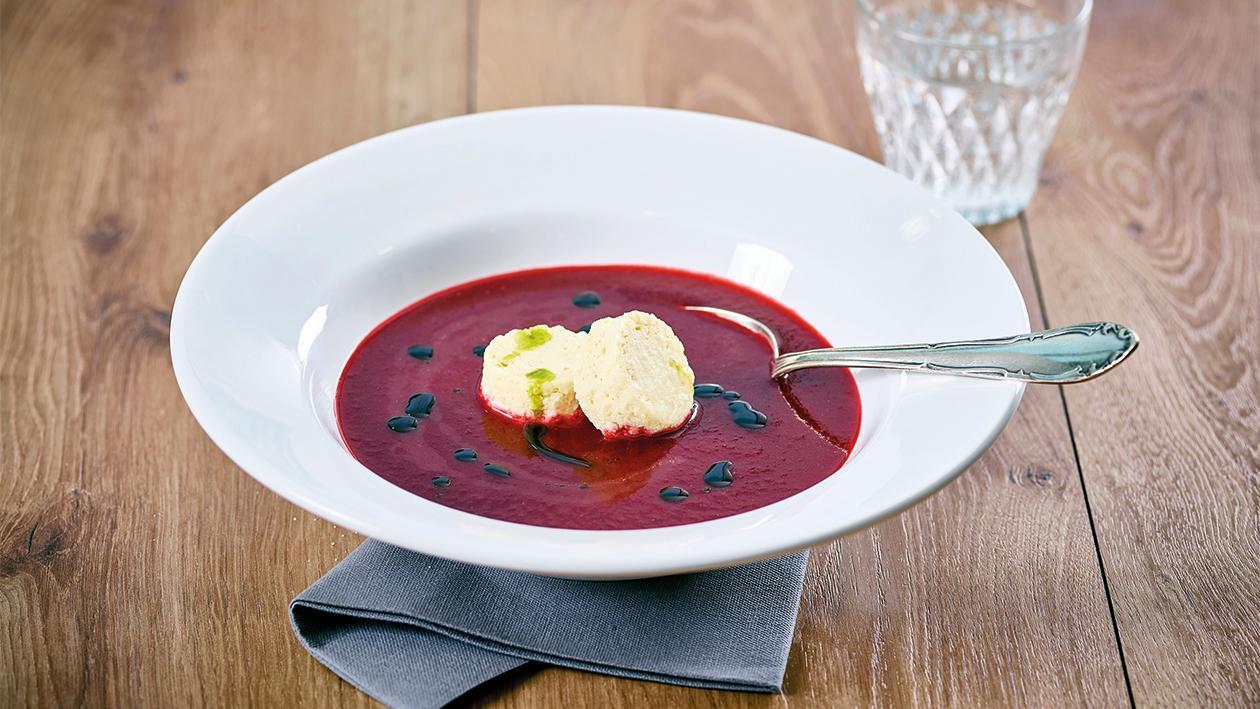 Rote Rüben Cremesuppe mit Kartoffel-Kren Flan und Kümmel ÖL