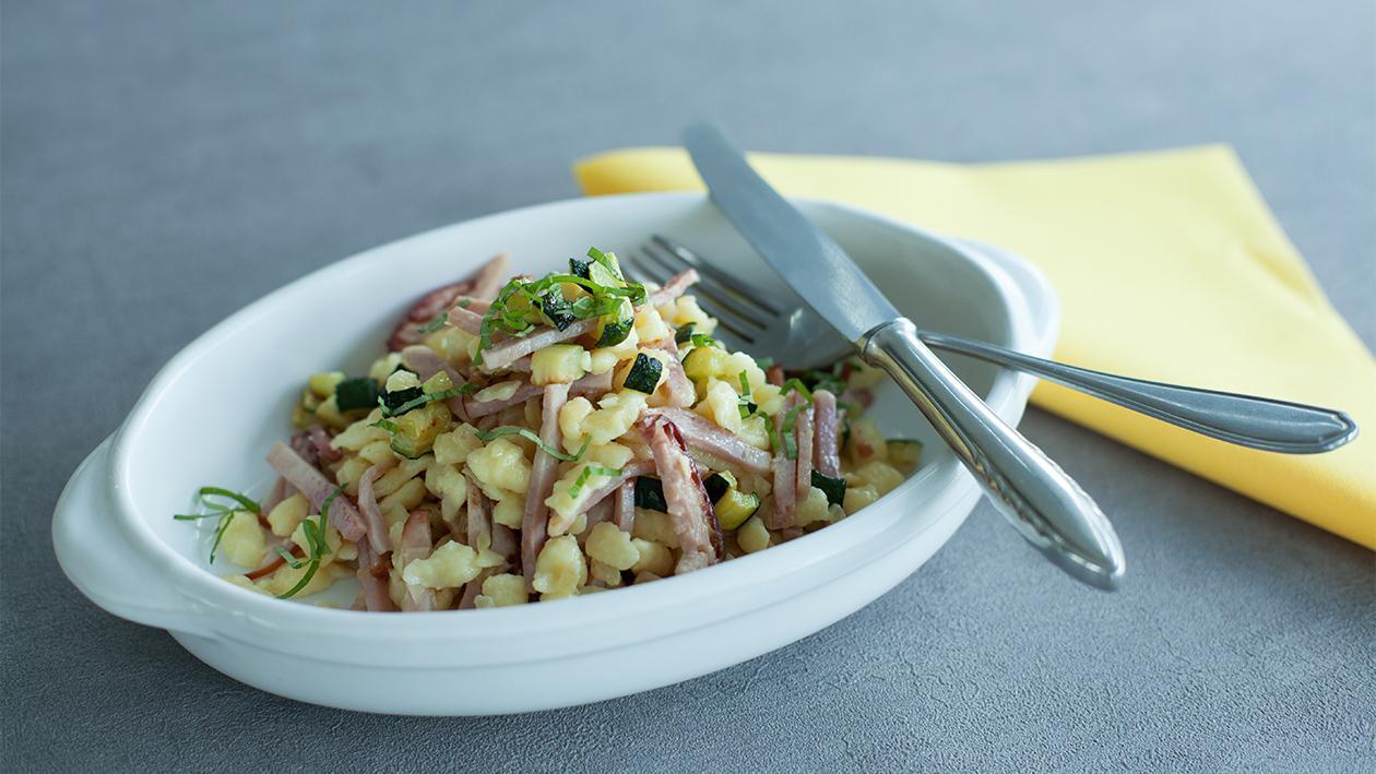 Spätzle mit Schinken und Zucchini
