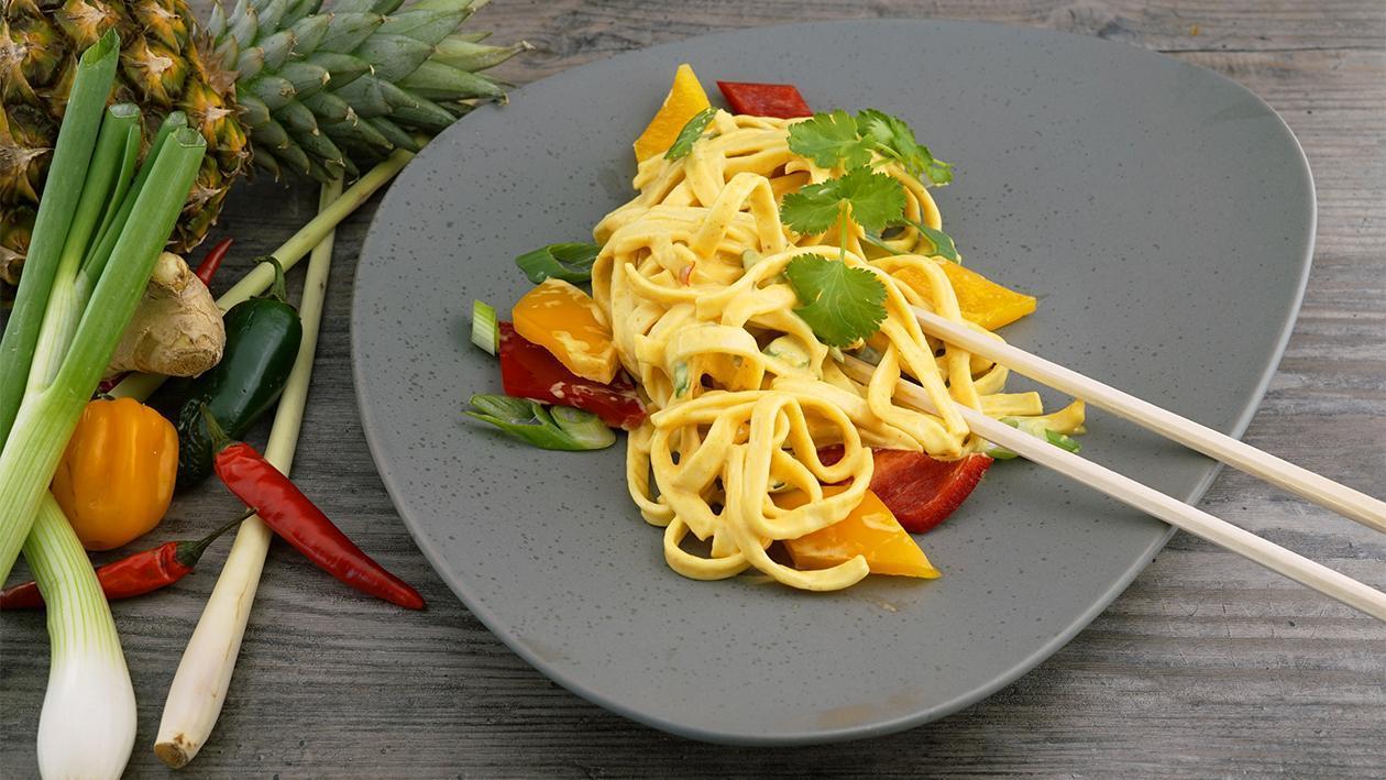 Spicy Cream-Curry Pasta Salat