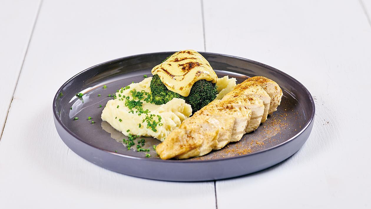 Überbackener Brokkoli mit Sauce Hollandaise und Kartoffelpüree
