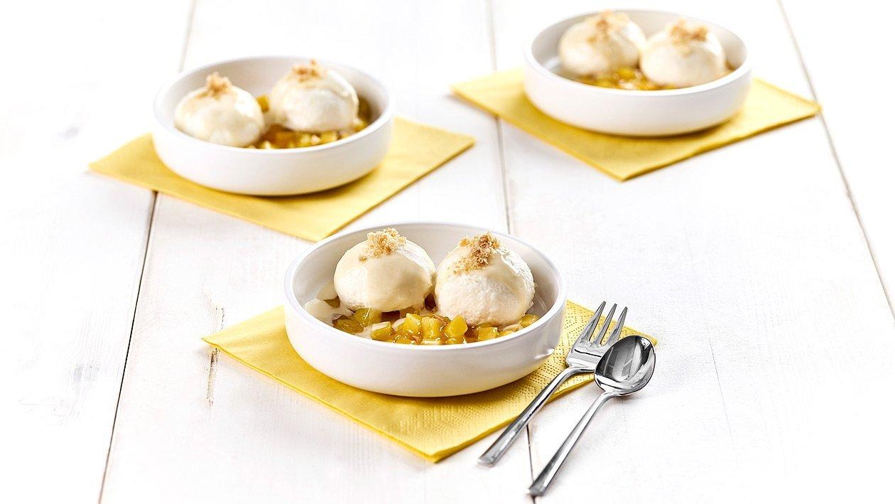 Aprikosen Quarkknödel mit gelber Grütze und Pfirsich-Buttermilch Sauce