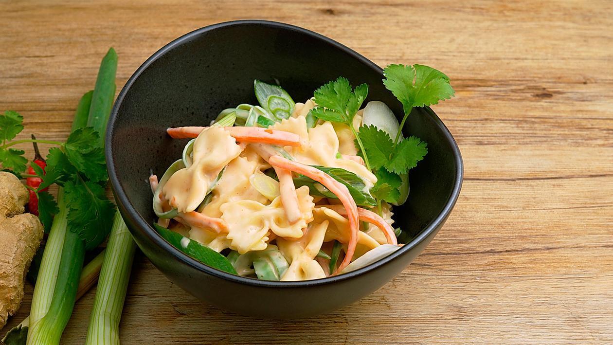 Asia Pasta-Salat mit Tiriyaki Mayo