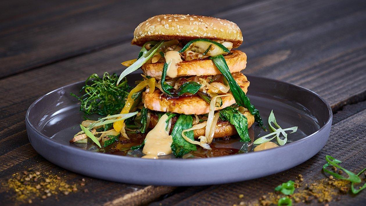 Asiatische Lachsburger