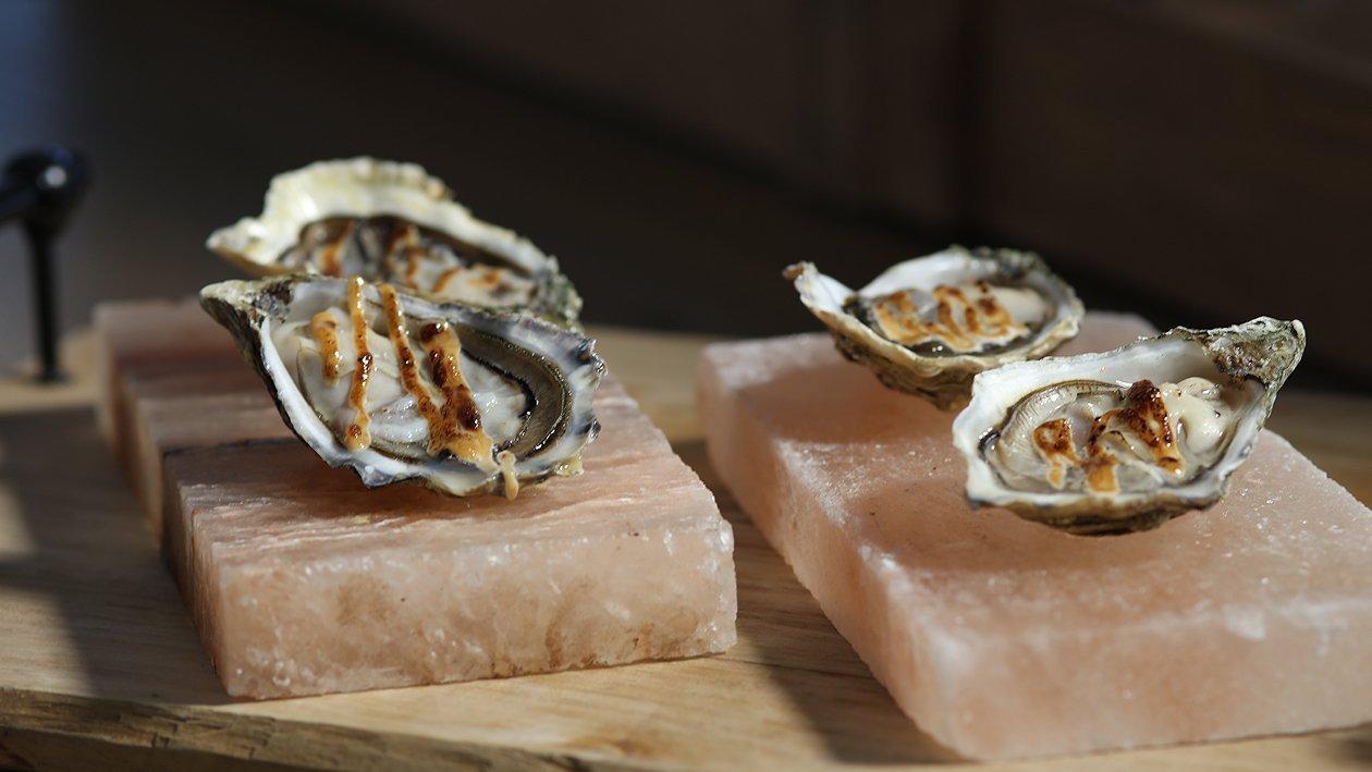 Austern mit Miso Mayonnaise