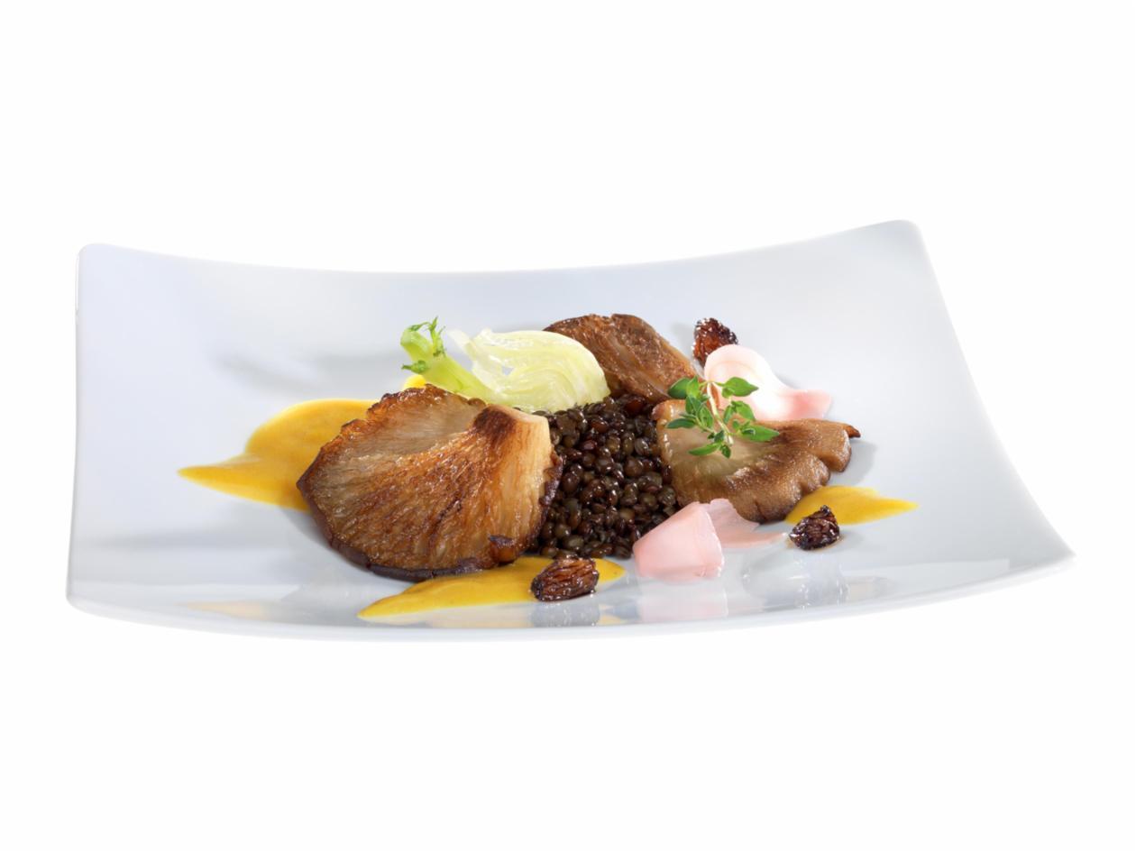 Austernpilze mit geschmortem Fenchel und schwarzen Linsen mit Currysauce