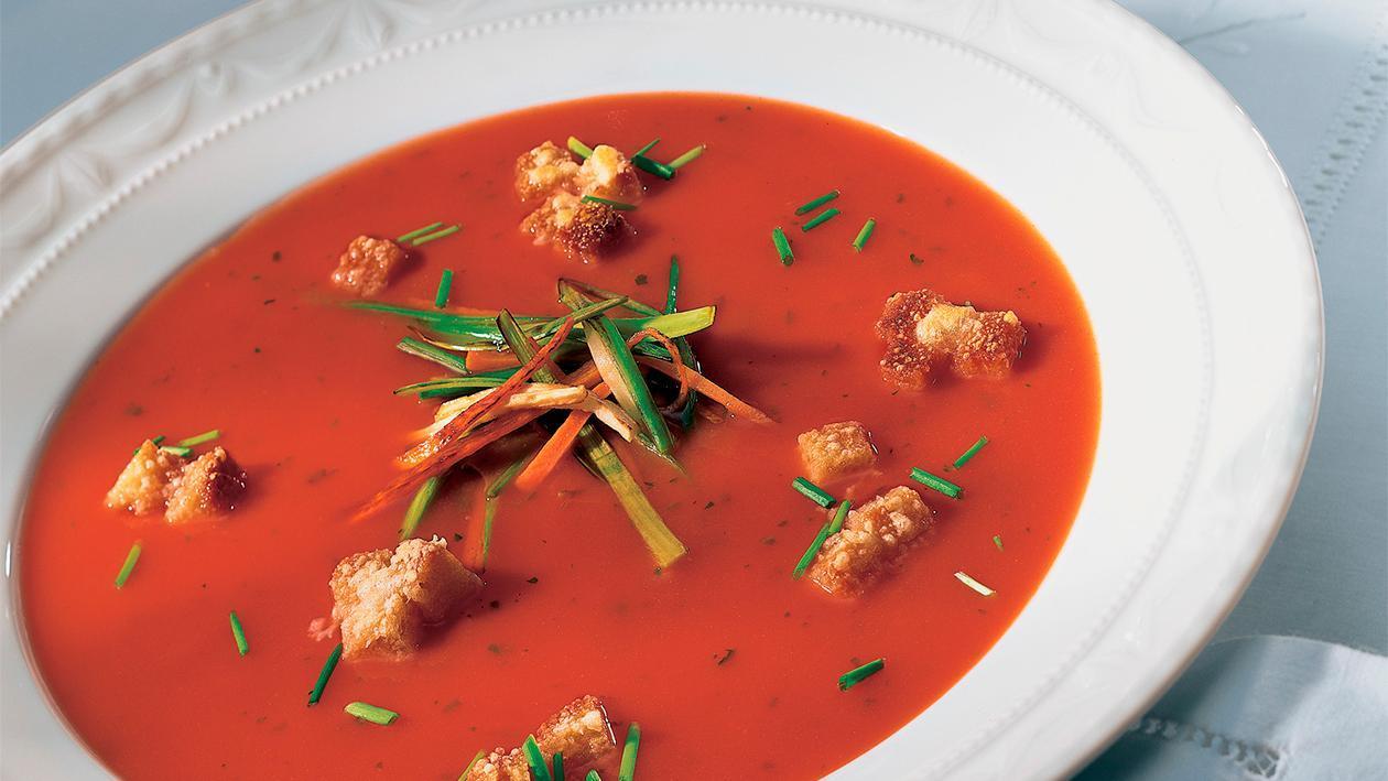 Bäuerliche Tomaten-Gemüsesuppe