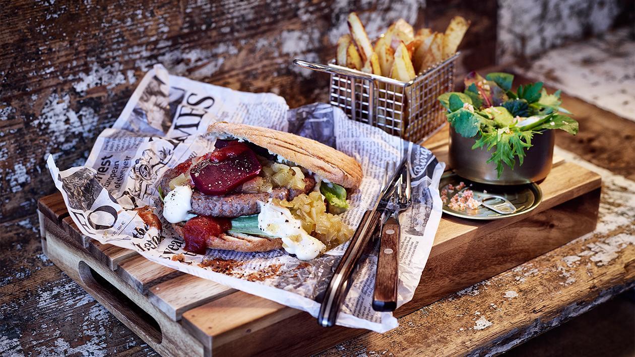 Beef Burger mit Rote Beete und Zwiebel Relish