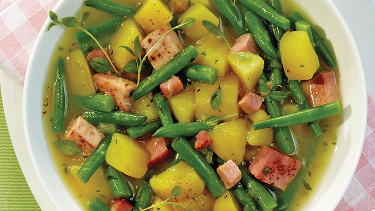 Bohneneintopf mit Speck, Kassler und Kartoffeln