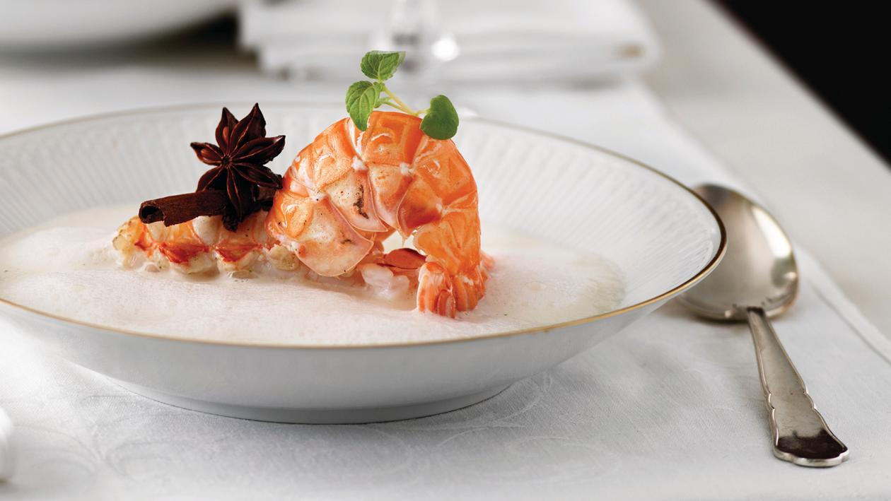Champagner-Zimt-Suppe mit Scampi