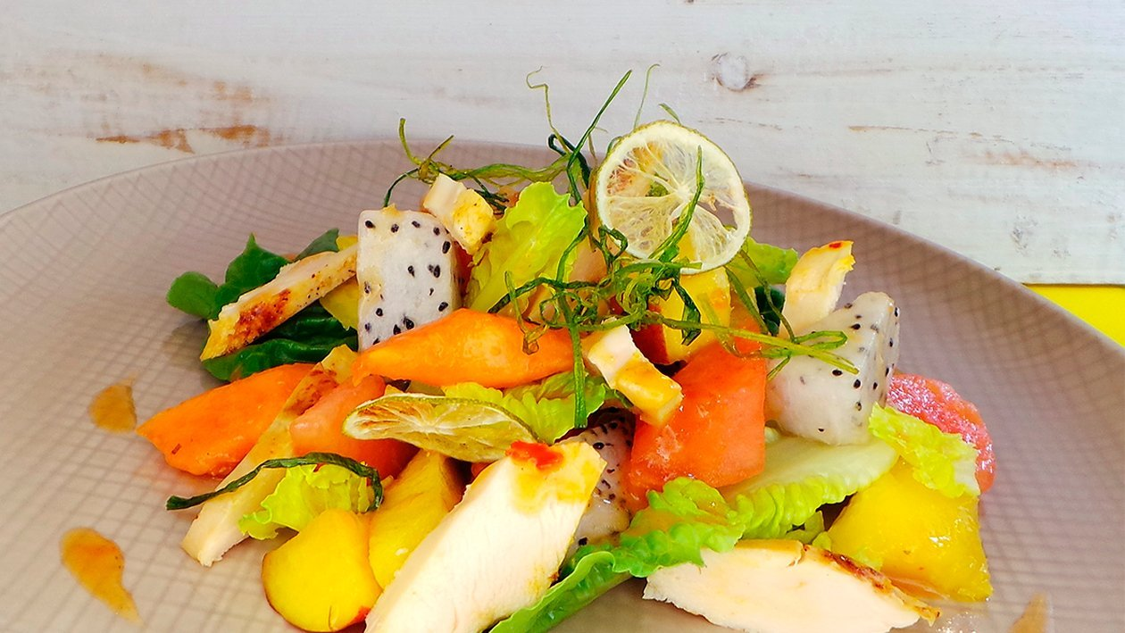 Chili Lime Hähnchenbrust mit fruchtigem Romanasalat