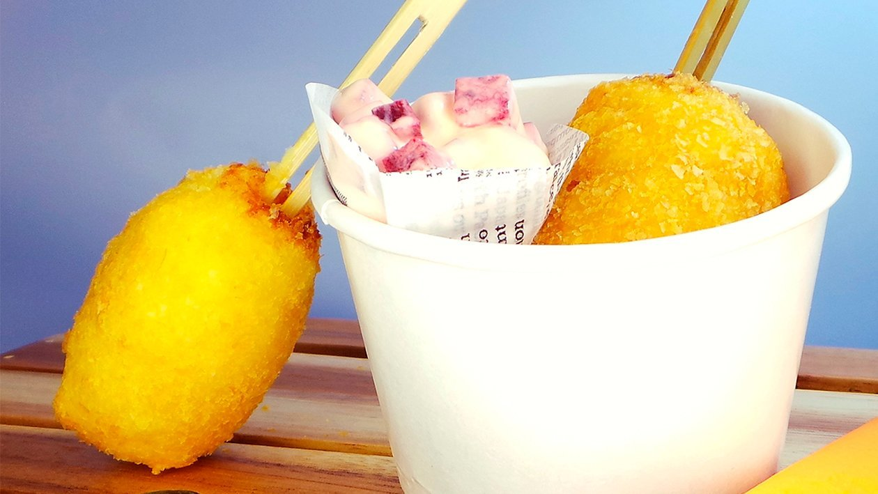 Corn Fritters mit Rote Beete - Mayonnaise