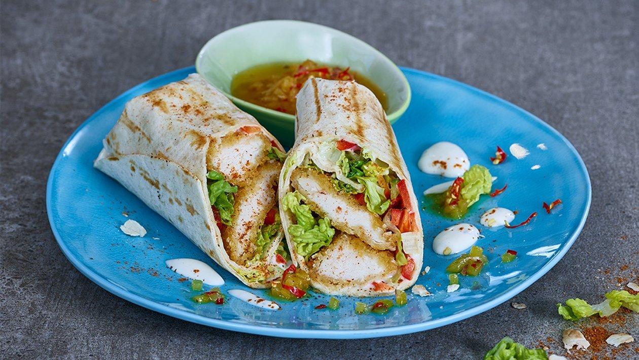 Crispy Chicken Wrap mit Ananas Salsa
