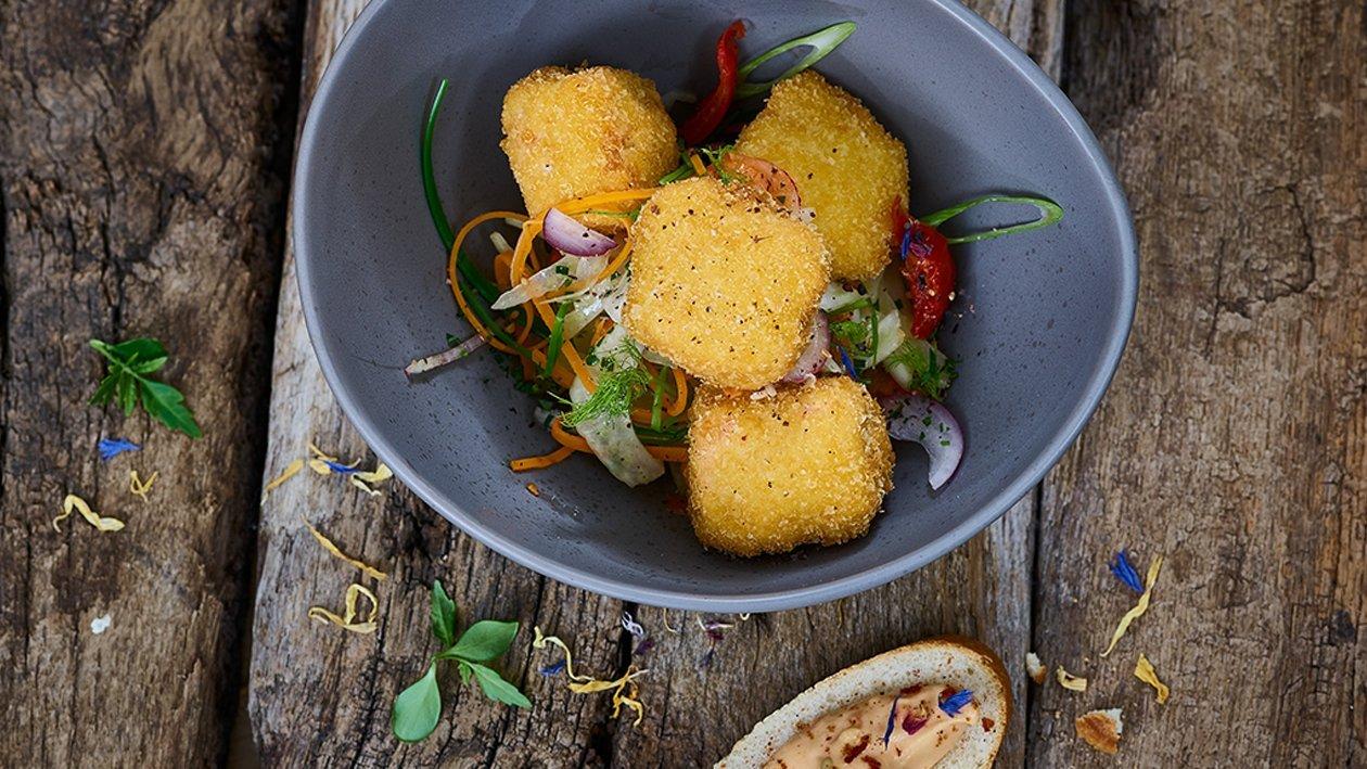 Gebackene Fischwürfel mit Karotten - Fenchelsalat und Sauce Rouille