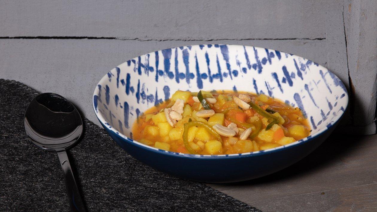 Gemüse - Kartoffel Eintopf mit Erdnüssen