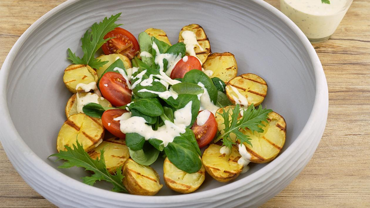Hellmann´s Grillkartoffeln - Feldsalat - Tomate dazu Senf Kräuter Dressing