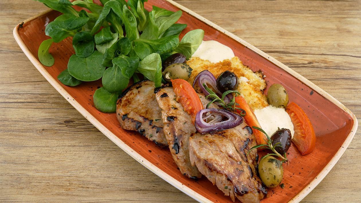Hellmann´s Schweinefiletsteak- Blumenkohl Couscouspuffer - Feldsalat und geschäumte Senfsauce