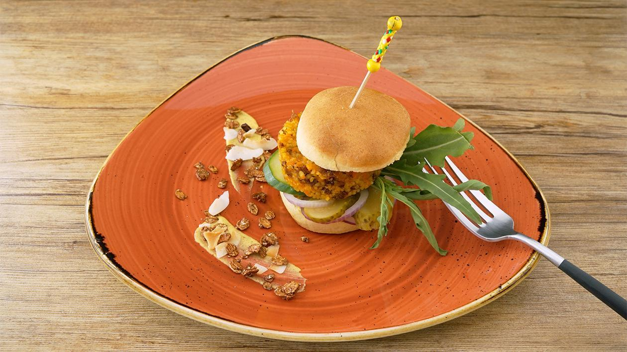 Hellmann´s Senf - Karotten Burger mit Rucolasalat und Gurke