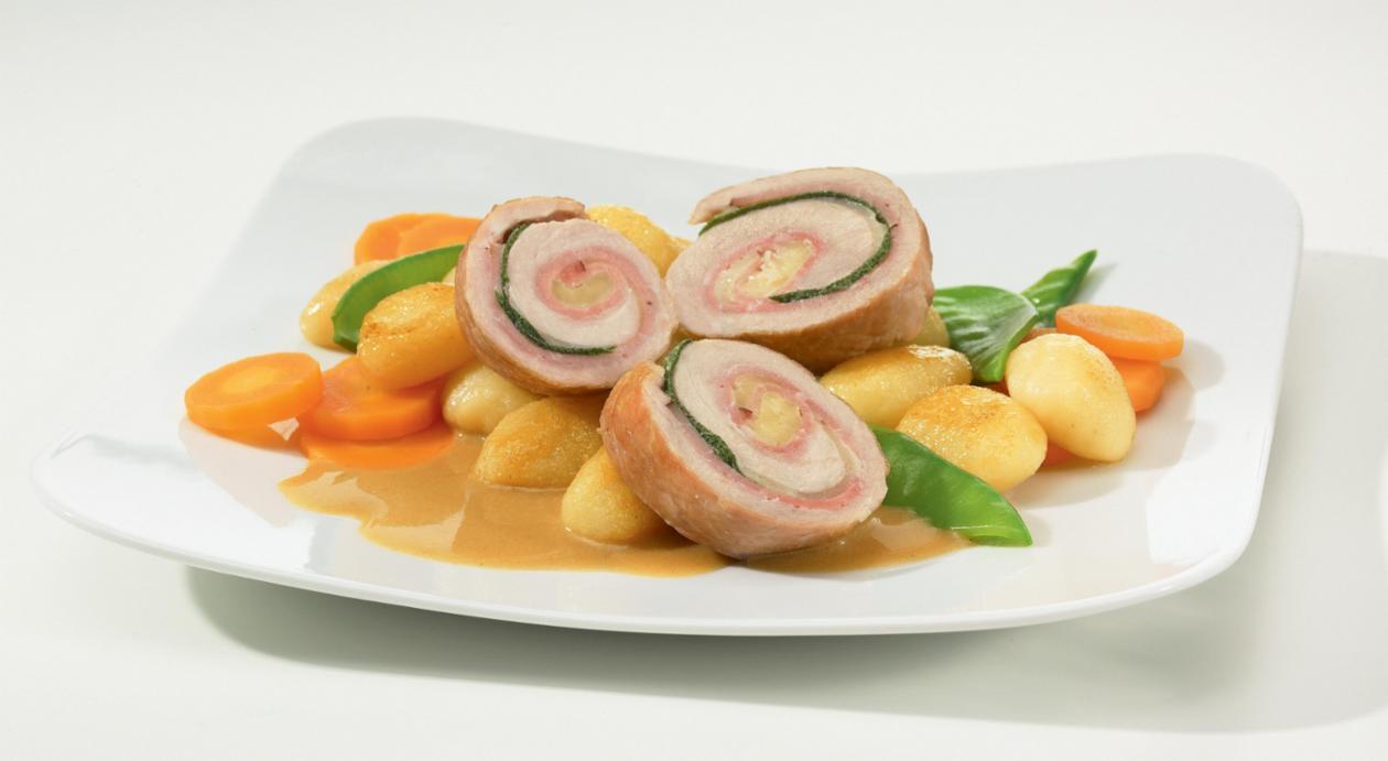 Involtini vom Schwein mit Roher Schinken-Käse-Salbei-Füllung in feiner Senfsauce